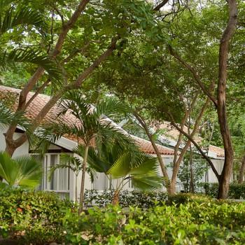Fachada de Bungalows — Hotel Irotama Resort (Santa Marta, Colo