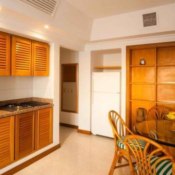 Suite_XXI_Irotama_XXI_Comedor_y_cocina